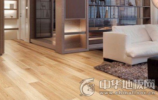 什么材質的木地板使用起來比較好用?