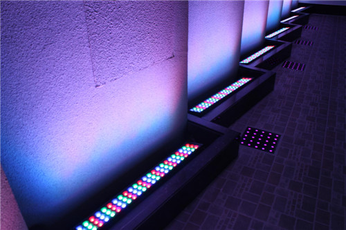 led洗墻燈的4大特性  led洗墻燈選擇注意事項